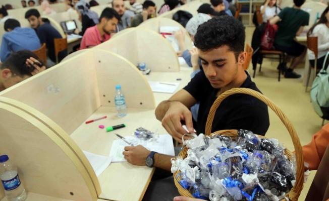 Bağcılar Belediyesi'nden YKS'ye girecek öğrencilere moral hediyesi
