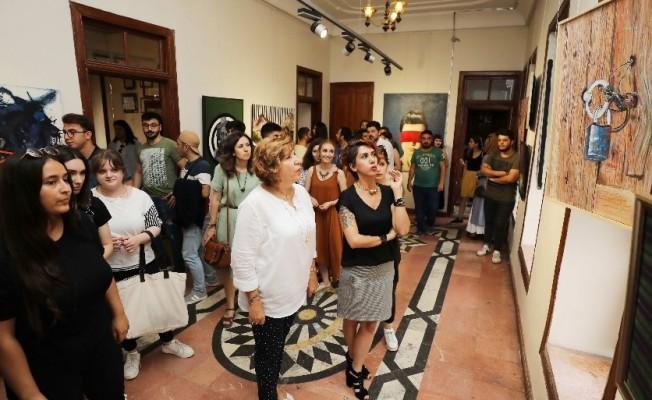GAÜN öğrencilerinin geleneksel yıl sonu sergisi açıldı