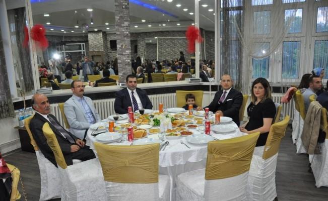Kars'ta hakim ve savcılar veda yemeğinde bir araya geldi
