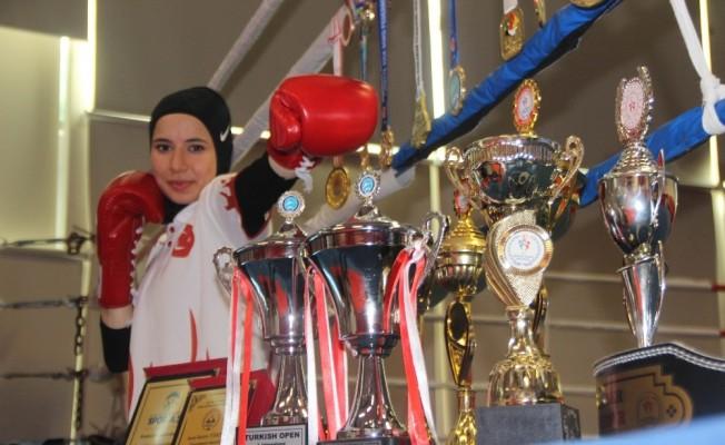 Kicboksun altın kızının hedefi dünya şampiyonluğu