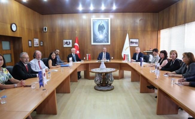 Macaristan'ın Pecs Belediyesi yetkilileri Kütahya'da