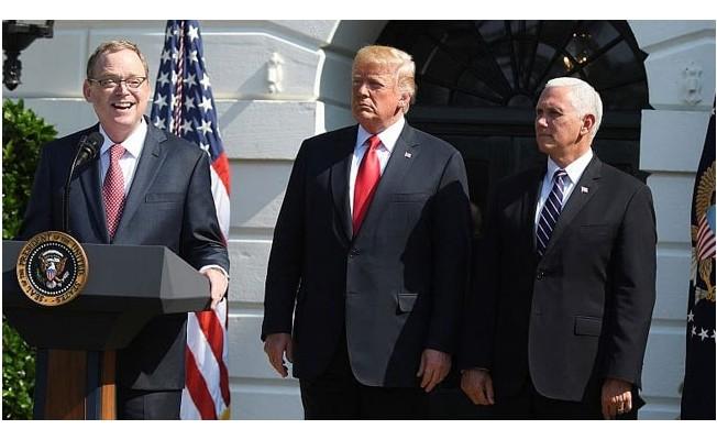 Trump resmen açıkladı! Görevinden ayrılacak...