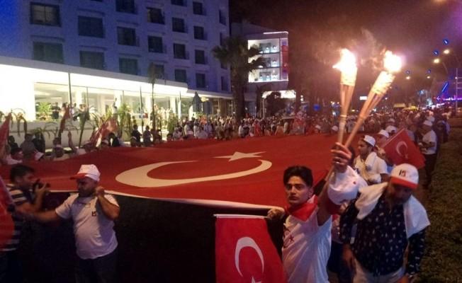 15 Temmuz'un kilit noktası Marmaris'te demokrasi seli