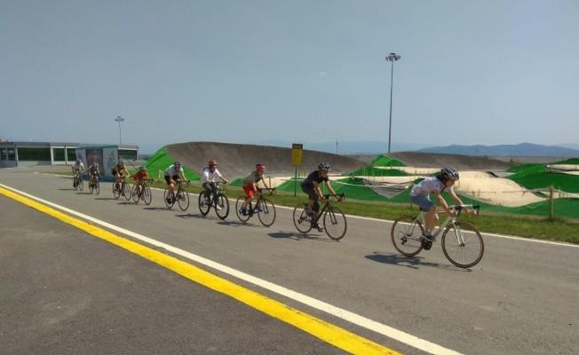 Genç bisikletçiler, bisiklet vadisinde yetişiyor