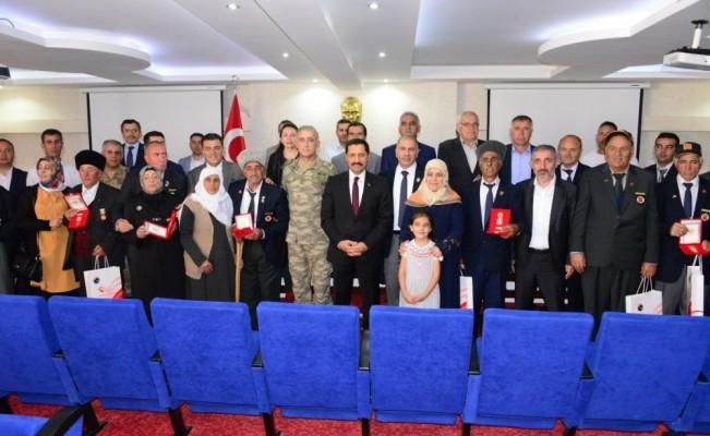 Kıbrıs Gazileri için madalya tevci töreni yapıldı
