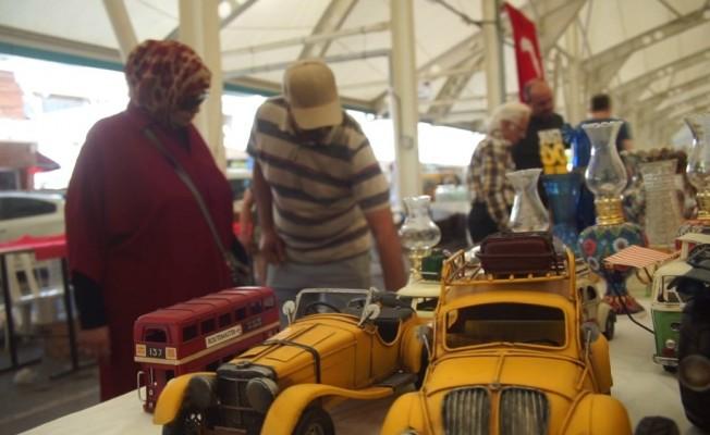 Kuveyt ve Katar'lılar Bursa'da antika pazarını keşfetti
