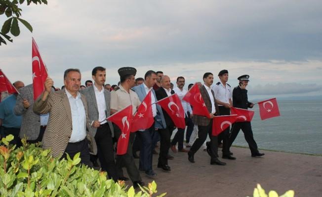 Ünyeli vatandaşlar meydanlara indi