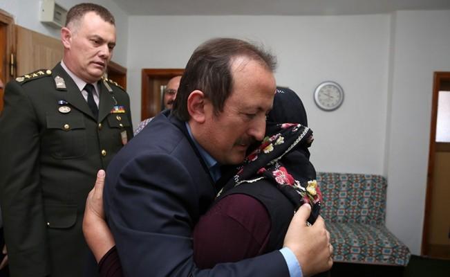 Vali Ali Hamza Pehlivan şehit aileleri ve gazileri ziyaret etti