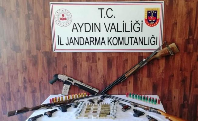Aydın'da jandarmadan kaçak silah tacirlerine operasyon: 5 gözaltı