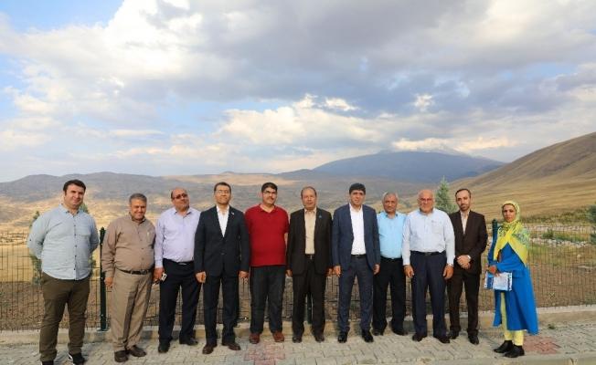 Iğdır Üniversitesi ile Tebriz Üniversitesi Arasında 4'lü Protokol