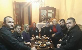 Alo Evlat ekibi Hatice Teyze'yi ziyaret etti