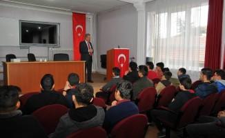 Başkan Akkaya Kariyer Günleri kapsamında öğrencilerle buluştu