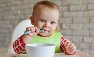 """Bebeklerde erken ek gıda, besin alerjisine neden olabilir"""""""