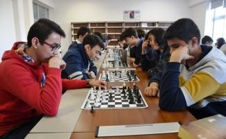 Biga'da satranç turnuvası düzenlendi