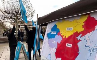 Doğu Türkistan'daki Çin zulmü Frankfurt'ta protesto edildi