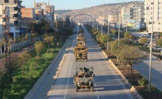 Fırat'ın doğusundaki sınıra komando ile zırhlı araç sevkıyatı