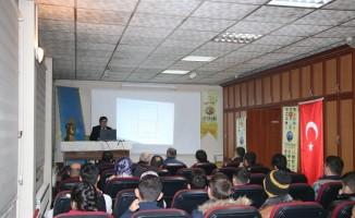 """Güneş Vakfı'nda """"Yaşatılmaya Çalışılan Geleneksel Türk Sporları ve Günümüz Gençliği"""" konferansı"""