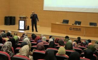 İlahiyat Fakültesince 'Sünnet' konulu konferans düzenlendi