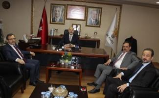 """Karaduman: """"AK Parti'de hizmet esastır"""""""