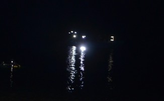 Kayıktan göle düşen şahsın elbiselerine ulaşıldı