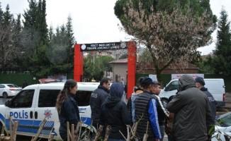 Kocaeli'de çeşitli suçlardan aranan 2 kişi uygulamada yakalandı