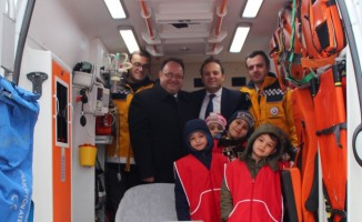 Öğrencilere ambulans tanıtıldı