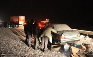 Sivas- Erzincan karayolu ulaşıma kapandı