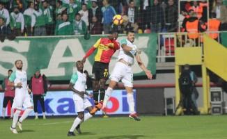 Spor Toto Süper Lig: Göztepe 0 - Bursaspor 0 (Maç sonucu)