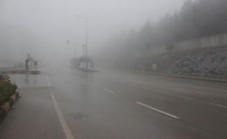 Suriye sınırındaki Kilis'te sis etkili oldu
