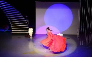 """Tunceli'de """"Tamara'nın Çığlıkları"""" oyunu sahnelendi"""