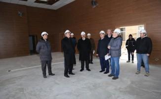 Vali Toraman İl Emniyet Müdürlüğü inşaatında incelemelerde bulundu