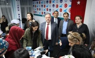 Yazar Emine Şenlikoğlu KYK öğrencileriyle buluştu