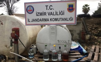 Yılbaşı öncesi Çeşme'de 758 litre kaçak içki ele geçirildi