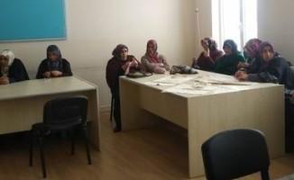 Acıgöl Halk Eğitim Merkezinde file yapım kursu başladı
