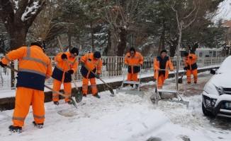 Afyonkarahisar'da kar temizleme seferberliği