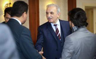 AK Parti Ümraniye Belediye Başkan adayı Yıldırım, Ümraniye teşkilatında görev alan partililerle bir araya geldi