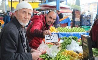 Antalya'da semt pazarları da el yakıyor