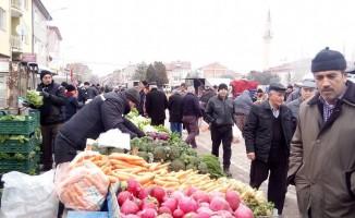 Aşırı kar yağışı Aslanapa'da sebze  ve meyve fiyatlarına yansıdı