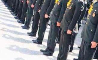 Askeriyenin sınavında çıkacak soruları önceden verdiler