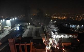 Avcılar'da korkutan fabrika yangını