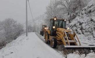 Aydın'da kar yağışı sonrası kapanan yollar açıldı