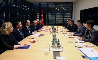 Bakan Pakdemirli, Gürcistan Tarım Bakanı Davitashvili ile görüştü
