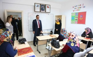 Başkan Ak'tan KEDEM ve KEÇMEK kursiyerlerine ziyaret