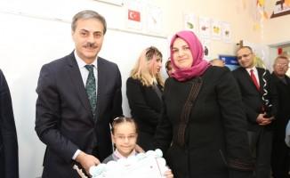 Başkan Alemdar, öğrencilerin karne heyecanına ortak oldu