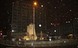 Başkent'te trafik kazaları: 3 yaralı