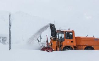 Bitlis İl Özel İdaresi 7/24 karla mücadele ediyor