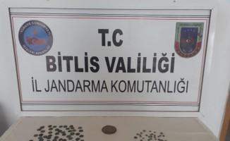Bitlis'te altın, gümüş ve bakır sikkeler ele geçirildi