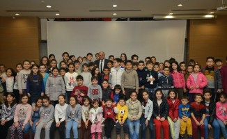 Çiğli'de karne alan öğrenciler için sinema şöleni
