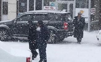 Çıldır yoğun kar yağışı altında