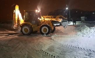Develi Belediyesi karla mücadele ekipleri 24 saat çalışıyor